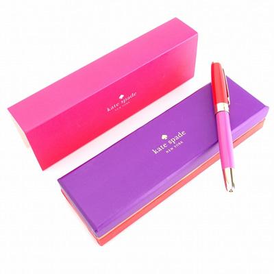 パープルカラーの可愛らしいボールペン
